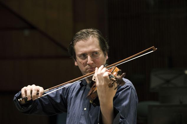 David Radzynski at Tel Aviv concert hall (Photo: AP) (Photo: AP)
