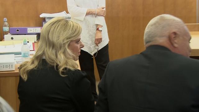 Sara Netanyahu in the courthouse on Sunday (Photo: Eli Mendelbaum)