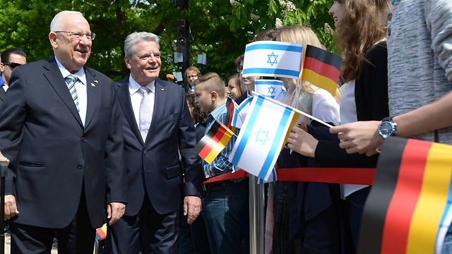President Reuven Rivlin with German President Joachim Gauck in Berlin. Are the Germans done dealing with anti-Semitism and the millions of infiltrators in Europe? (Photo: Amos Ben Gershom, GPO)