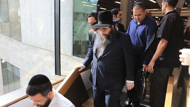 הרב פינטו הבוקר בבית המשפט  (צילום: ירון ברנר)