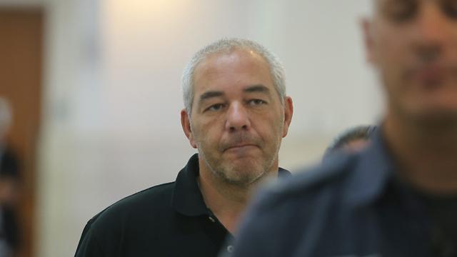 פישר בבית המשפט בירושלים (צילום: אלכס קולומויסקי) (צילום: אלכס קולומויסקי)