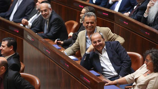 With fellow Knesset members (Photo: Noam Moskowitz)