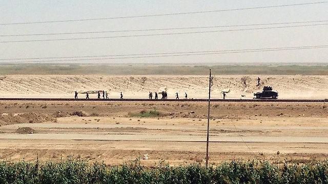 Forces outside Ramadi (Photo: AP)