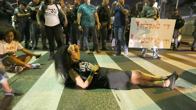Protesters blocking roads (Photo: Yaron Brener)