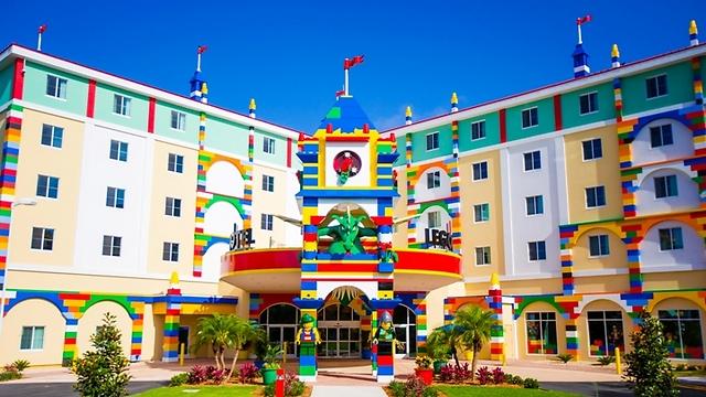 המלון בפארק לגו לנד באורלנדו, פלורידה: יישאר פתוח לאירוח בזמן הסופה