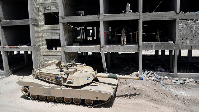 An Iraqi tank in the streets of Ramadi. (Photo: Reuters) (Photo: Reuters)