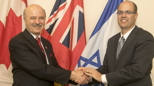 Reza Moridi, left, and Avi Hasson (Photo: Yossi Aloni)