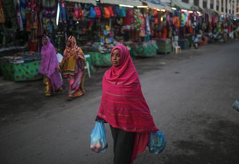 הפחד: החובות לסין לא ייפרעו. קניות בג'יבוטי (צילום: AP) (צילום: AP)