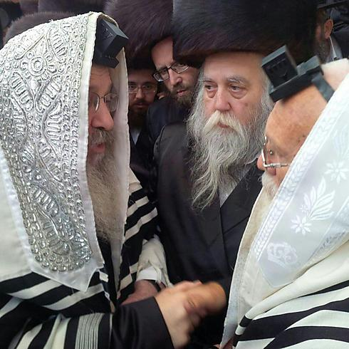 New father Shmuel (L). 'I have just realized that I will have someone to call me father' (Photo: Israel Cohen, Kikar Hashabat)