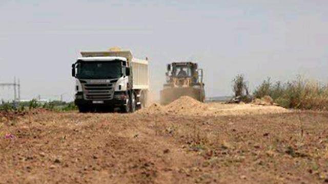 משאיות חמאס בציר הכביש החדש ()