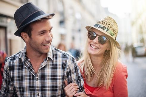 """""""מי לא התאהב באדם שלא באמת הכיר?"""" (קרדיט: Shutterstock) (קרדיט: Shutterstock)"""