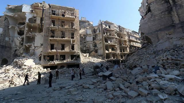 המטרה באידליב: לזרוע פחד. תוצאות חביות הנפץ בחלב (צילום: AFP) (צילום: AFP)