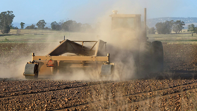 The drought threatens California's massive farming industry which uses mostly clean drinking water. (Photo: AFP) (Photo: AFP)