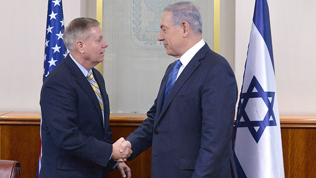 Lindsey Graham and Benjamin Netanyahu (Photo: EPA) (Photo: EPA)