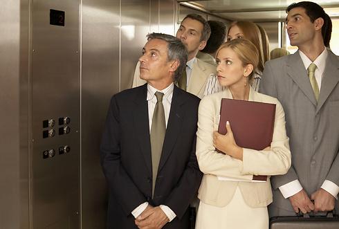 בקרוב לא יצטרכו להתאפק במעלית (צילום: shutterstock) (צילום: shutterstock)