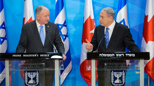 Prime Minister Netanyahu (left) meets with Canadian Foreign Affairs Minister Nicholson in Jerusalem (Photo: Emil Salman)