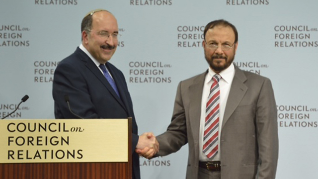 Gold in a previous meeting with Eshki (Photo: CFR) (Photo: CFR)