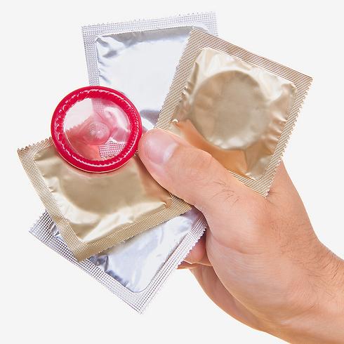 לעודד שימוש בקונדומים בקרב כל האוכלוסיות (צילום: shutetrstock) (צילום: shutetrstock)