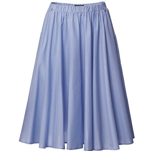 גם חולצה לבנה פשוטה תתאים לחצאית כל כך יפה. 259 שקלים, קסטרו (צילום: אודי דגן)