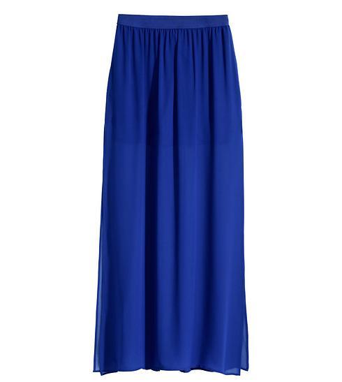 חולצה עם פרחים בגווני צהוב תהפוך את החצאית הזאת למושלמת. 179 שקלים, H&M (צילום: הנס מוריץ)