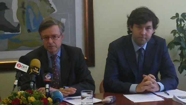 The Spanish ambassador (L) who tried to raise the banner of revolt from abroad (Photo: Barel Efraim)