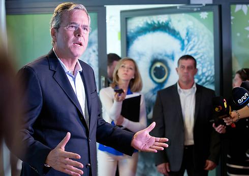 רוצה שיכירו אותו כג'ב בוש מפלורידה ולא כאח וכבן של נשיאים לשעבר (צילום: AP) (צילום: AP)