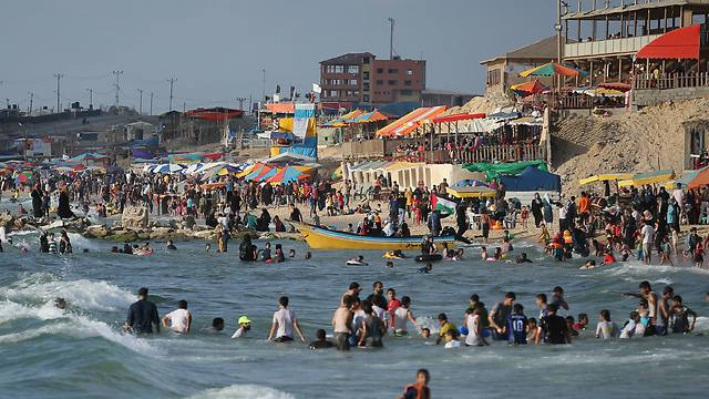 Gazans on the Beach celebrate Ramadan (Photo:Getty)