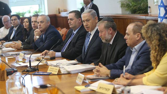 Netanyahu speaking at this week's cabinet meeting (Photo: Alex Kolomoisky)