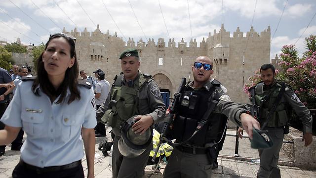 זירת הפיגוע, הבוקר בירושלים (צילום: AFP) (צילום: AFP)
