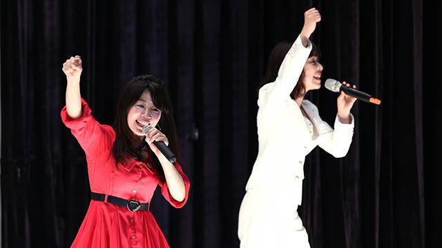 מאנאמי קיאטו (משמאל) ומגומי איקאטסו (צילום: AFP) (צילום: AFP)