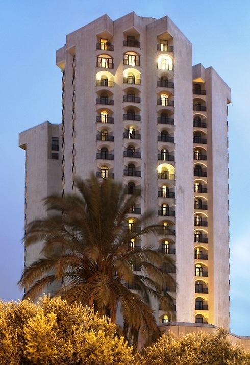 מלון קראון פלזה בירושלים. אל תוותרו על התצפית ()