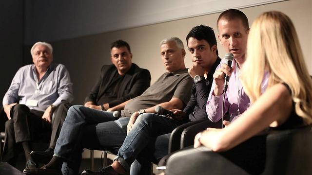 מימין: יעל ולצר, אסף שניר, שי לוי, דודו פולטורק, אלי גיספאן וחיים מילר (צילום: דרור סיתהכל) (צילום: דרור סיתהכל)
