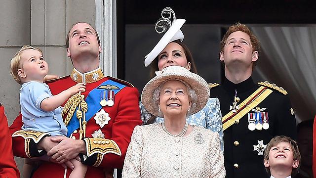 המלכה אליזבת (צילום: EPA) (צילום: EPA)