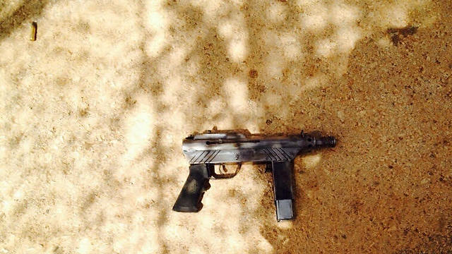 Weapon used by the attacker (Photo: IDF Spokesman)