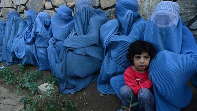 אונס שתי נערות על ידי מפקד במוג'הידין הוביל את עומר להקים את הטליבאן (צילום: AFP) (צילום: AFP)