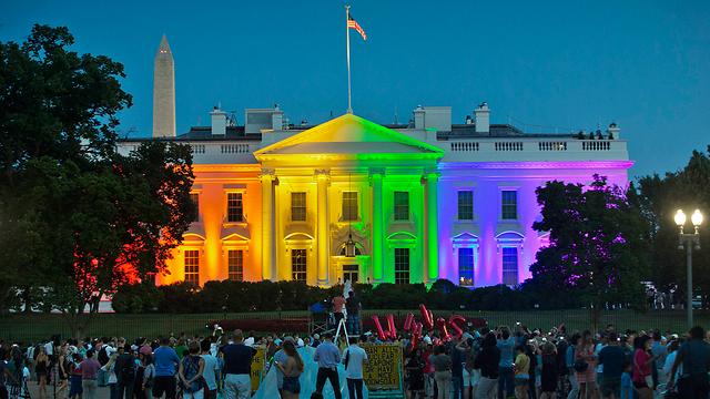 הבית הלבן מואר בצבעי הגאווה (צילום: AP) (צילום: AP)