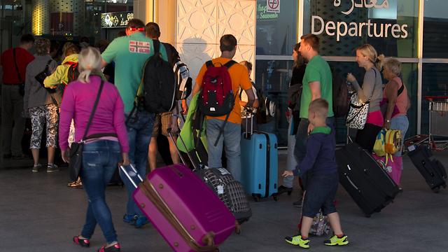 עוזבים את תוניסיה (צילום: AFP) (צילום: AFP)