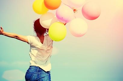 אנשים שאוהבים את עצמם לא ישפטו את עצמם כל היום (צילום: Shutterstock) (צילום: Shutterstock)