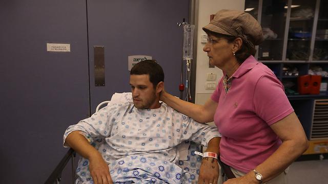 Yair Hoffer at the hospital (Photo: Gil Yohanan)