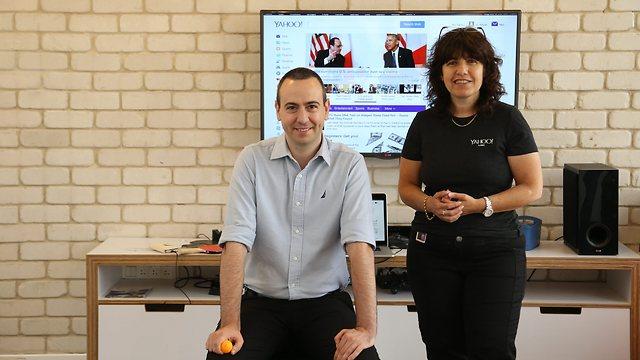 Head of Yahoo's research laboratories in Haifa, Yoelle Maarek (right), and head of Yahoo's development center in Tel Aviv, Ido Yablonka (Photo: Zvika Tishler)