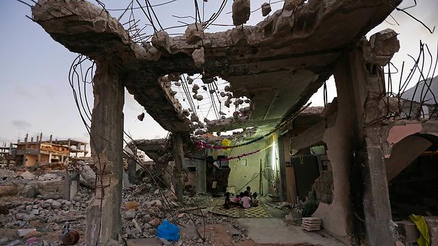 """עזה לאחר """"צוק איתן"""". סנדרס: """"בתי מגורים שוטחו, בתי חולים הופצצו"""" (צילום: AP) (צילום: AP)"""