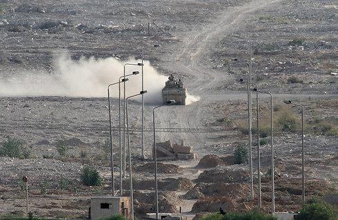 Egyptian army fighting Islamic State in Sinai (Photo: AP)
