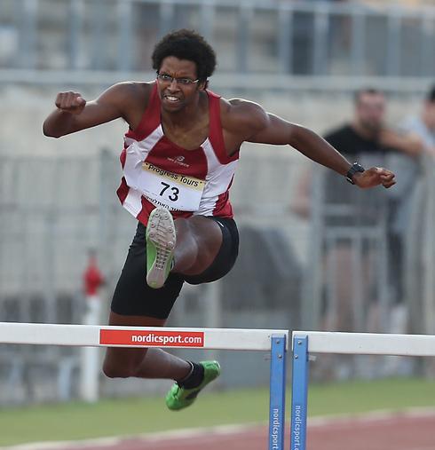 ניצח ב-400 מטר משוכות. מאוד סגד (צילום: אורן אהרוני) (צילום: אורן אהרוני)