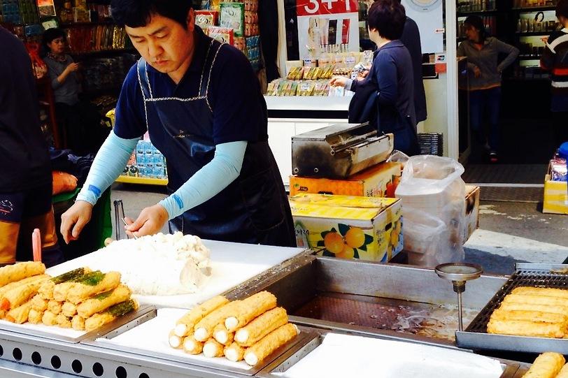 שוק נמדנמון (צילום: שי זדה)