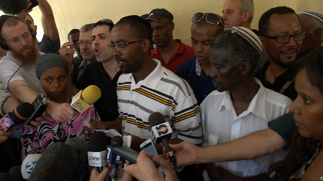 Abera Mengistu's family speaks to reporters (Photo: Avi Rokach)