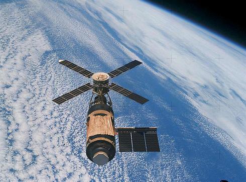 """מעבדת החלל סקיילאב 8 לפני התרסקותה (צילום: אתר נאס""""א) (צילום: אתר נאס"""