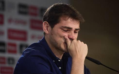 נפרד בדמעות מריאל מדריד. איקר קסיאס (צילום: AFP) (צילום: AFP)