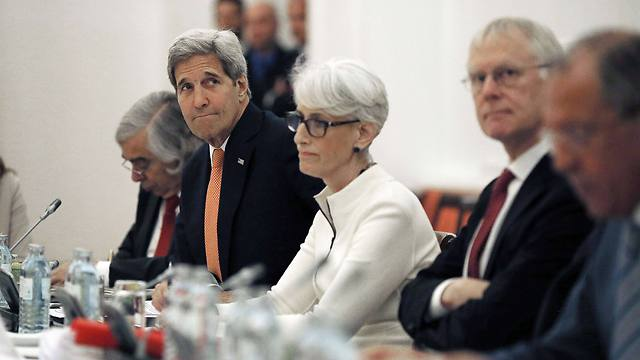 Secretary of State John Kerry at nuclear talks in Vienna (Photo: AFP))