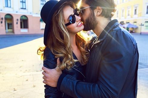 זה נראה כמו אהבה אבל בפועל הוא רק מחליש אותך (צילום: Shutterstock)