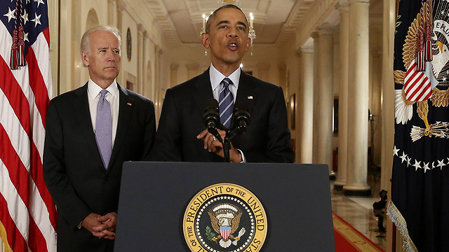 אובמה וסגנו ביידן בנאום המיוחד מהבית הלבן (צילום: רויטרס) (צילום: רויטרס)